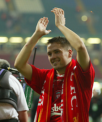 CARDIFF, WALES - Sunday, March 2, 2003: Liverpool's Michael Owen celebrates victory over Manchester United during the Football League Cup Final at the Millennium Stadium. (Pic by David Rawcliffe/Propaganda)