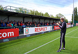 NEWPORT, WALES - Sunday, May 28, 2017: Dave Adams gives a practical demonstration during day three of the Football Association of Wales' National Coaches Conference 2017 at Dragon Park. (Pic by David Rawcliffe/Propaganda)