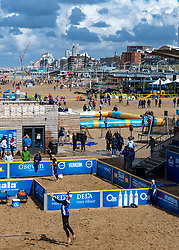 25-08-2018 NED: DELA Beach NK Volleyball, Scheveningen<br /> Hundreds of volleyball courts for the Pier in Scheveningen, Robert Meeuwsen NED #2