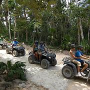 Fourwheel tour, Aktun Chen, Quintana Roo.