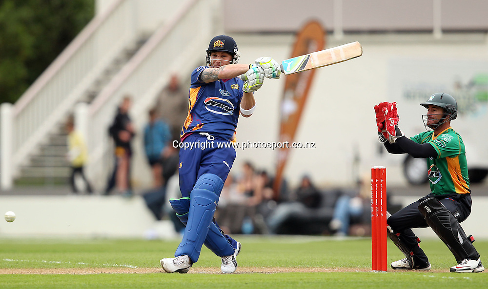 Brendon McCullum plays a hook shot for the Volts.<br /> Twenty20 Cricket - HRV Cup, Otago Volts v Central Stags, 18 December 2011, University Oval, Dunedin, New Zealand.<br /> Photo: Rob Jefferies/PHOTOSPORT