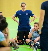 VIANEN - Joyce Sombroek (Lar)  met Mila Muyselaar (Lar) Zaalhockey Laren-Oranje Rood dames.  COPYRIGHT KOEN SUYK