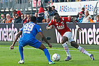 ALKMAAR - 04-10-2015, AZ - FC Twente, AFAS Stadion, 3-1, AZ speler Ridgeciano Haps (r), FC Twente speler Michael Olaitan.