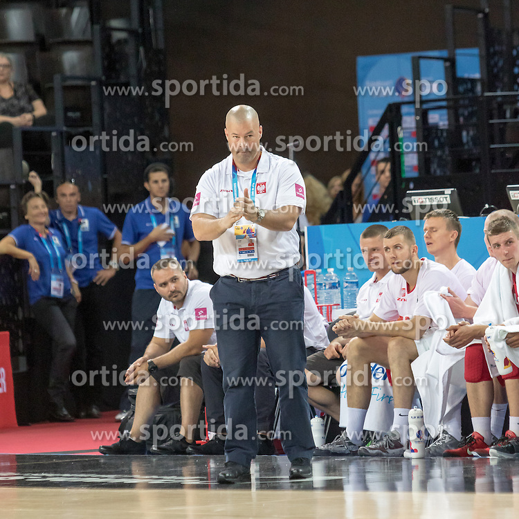 06.09.2015, Park Suites Arena, Montpellier, FRA, Russland vs Polen, Gruppe A, im Bild MIKE TAYLOR // during the FIBA Eurobasket 2015, group A match between Russia and Poland at the Park Suites Arena in Montpellier, France on 2015/09/06. EXPA Pictures &copy; 2015, PhotoCredit: EXPA/ Newspix/ Pawel Pietranik<br /> <br /> *****ATTENTION - for AUT, SLO, CRO, SRB, BIH, MAZ, TUR, SUI, SWE only*****