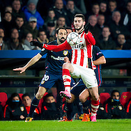 EINDHOVEN, PSV - Atletico Madrid, voetbal Champions League tweede ronde, seizoen 2015-2016, 24-02-2016, Philips Stadion, PSV speler Gaston Pereiro (M), Atletico Madrid speler Juanfran (L).