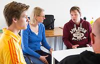 AMSTELVEEN -Arbitrage bij DOD C jeugd.  Fanneke  Alkemade. COPYRIGHT KOEN SUYK