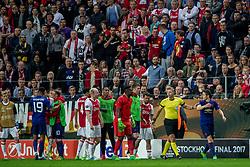 24-05-2017 SWE: Final Europa League AFC Ajax - Manchester United, Stockholm<br /> Finale Europa League tussen Ajax en Manchester United in het Friends Arena te Stockholm / Opstootje met Davy Klaassen(C) #10 of Ajax, Andre Onana(GK) #24 of Ajax, Ander Herrera #20 of Manchester United