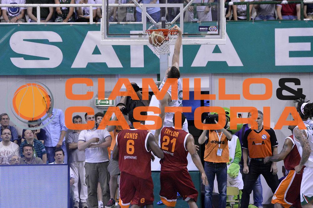 DESCRIZIONE : Roma Lega A 2012-2013 Montepaschi Siena Acea Roma playoff finale gara 4<br /> GIOCATORE : Benjamin Ortner<br /> CATEGORIA : Schiacciata Controcampo<br /> SQUADRA : Montepaschi Siena<br /> EVENTO : Campionato Lega A 2012-2013 playoff finale gara 4<br /> GARA : Montepaschi Siena Acea Roma<br /> DATA : 17/06/2013<br /> SPORT : Pallacanestro <br /> AUTORE : Agenzia Ciamillo-Castoria/GiulioCiamillo<br /> Galleria : Lega Basket A 2012-2013  <br /> Fotonotizia : Roma Lega A 2012-2013 Montepaschi Siena Acea Roma playoff finale gara 4<br /> Predefinita :