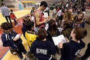 DESCRIZIONE : Ancona raduno nazionale maschile senior - allenamento e autografi<br /> GIOCATORE : Simone Fontecchio<br /> CATEGORIA : nazionale maschile senior<br /> GARA : Ancona raduno nazionale maschile senior - allenamento e autografi<br /> DATA : 09/04/2014<br /> AUTORE : Agenzia Ciamillo-Castoria