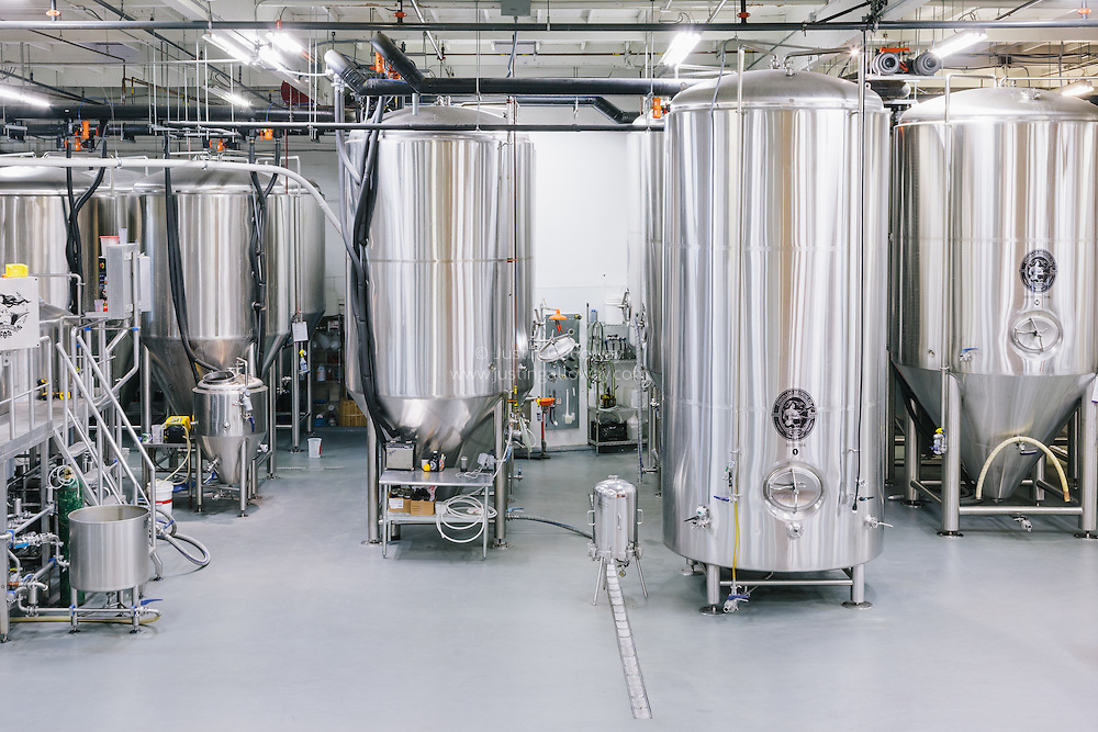 Beer brewery and manufacturing process photographers in San Diego, CA