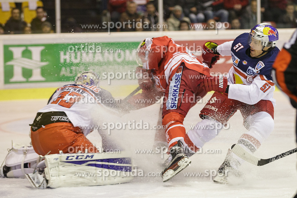 28.02.2016, Stadthalle, Klagenfurt, AUT, EBEL, EC KAC vs EC Red Bull Salzburg, Viertelfinale, 2. Spiel, im Bild Luka Gracnar EC (Red Bull Salzburg #33), Jamie Lundmark (EC KAC, #74), Matthias Tranig (Red Bull Salzburg #51) // during the Erste Bank Icehockey League 2nd quarterfinal match between EC KAC and EC Red Bull Salzburg at the City Hall in Klagenfurt, Austria on 2016/02/28. EXPA Pictures © 2016, PhotoCredit: EXPA/ Gert Steinthaler