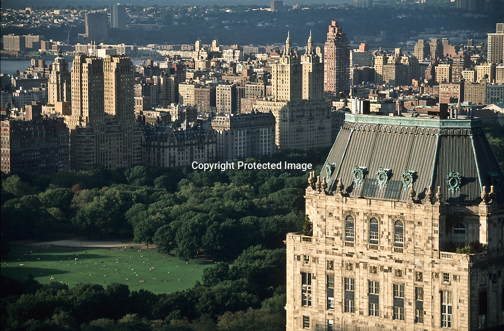 hotel pierre building and central park