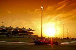 November 24, 2018 - Abu Dhabi, United Arab Emirates - Motorsports: FIA Formula One World Championship 2018, Grand Prix of Abu Dhabi, World Championship;2018;Grand Prix;Abu Dhabi,   Sunset , #5 Sebastian Vettel (GER, Scuderia Ferrari) (Credit Image: © Hoch Zwei via ZUMA Wire)