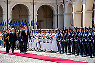 20-6-2017 ROME - Welkomstceremonie  op de Palazzo del Quirinale Koning Willem-Alexander en koningin Maxima ontmoeten 		de heer S. Mattarella, President van de Republiek Itali&euml;;  mevrouw L. Mattarella, Dochter van de president.  4 daags staatsbezoek van Koning Willem-Alexander en koningin Maxima aan