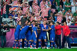 10.06.2012, Staedtisches Stadion, Posen, POL, UEFA EURO 2012, Irland vs Kroatien, Gruppe C, im Bild TOR MARIO MANDZUKIC 3-1 WIDOK KIBICE // during the UEFA Euro 2012 Group C Match between Ireland and Croatia at the Municipal Stadium Poznan, Poland on 2012/06/10. EXPA Pictures © 2012, PhotoCredit: EXPA/ Newspix/ Jakub Kaczmarczyk..***** ATTENTION - for AUT, SLO, CRO, SRB, SUI and SWE only *****