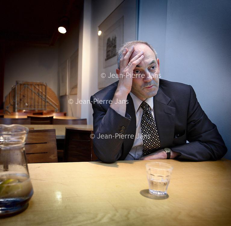 Nederland, Amsterdam , 3 oktober 2010..Job Cohen tijdens interview voor aanvang van discussieavond PvdA in Felix Meritis met als titel: PvdA Amsterdam: Wat is uw mening?.De PvdA nodigt leden engeïntereseerden uit om te debatteren over het regeer- en gedoogakkoord van VVD, CDA en PVV. .Foto:Jean-Pierre Jans