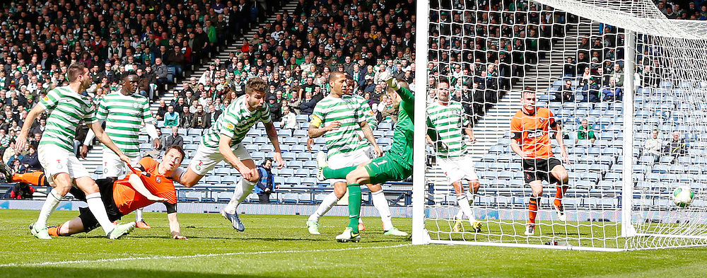 Dundee United v Celtic Scottish Cup Semi Final...Gary MacKay-Steven scores Dundee United's second goal......(c) STEPHEN LAWSON | StockPix.eu