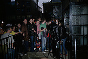 WAITING TO GET IN,  Twenty Hoxton Square. Opening exhibition of new gallery at Twenty Hoxton Square. -DO NOT ARCHIVE-© Copyright Photograph by Dafydd Jones. 248 Clapham Rd. London SW9 0PZ. Tel 0207 820 0771. www.dafjones.com.