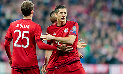03.05.2016, Allianz Arena, Muenchen, GER, UEFA CL, FC Bayern Muenchen vs Atletico Madrid, Halbfinale, Rueckspiel, im Bild Thomas Mueller (FC Bayern Muenchen), Robert Lewandowski (FC Bayern Muenchen) // Thomas Mueller (FC Bayern Muenchen) Robert Lewandowski (FC Bayern Muenchen) during the UEFA Champions League semi Final, 2nd Leg match between FC Bayern Munich and Atletico Madrid at the Allianz Arena in Muenchen, Germany on 2016/05/03. EXPA Pictures © 2016, PhotoCredit: EXPA/ JFK