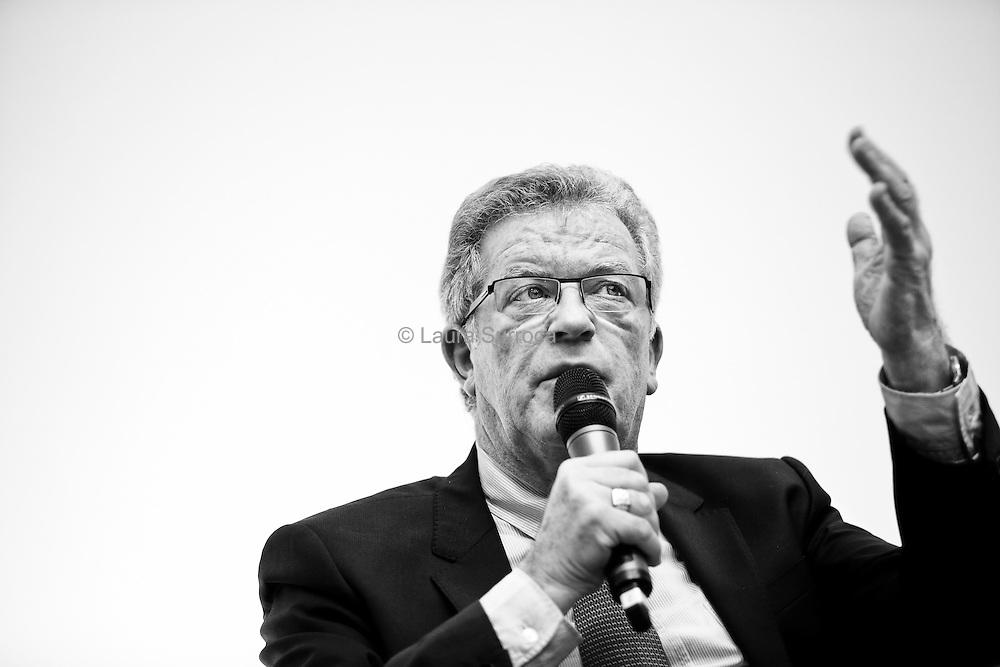 Debat des candidats aux elections municipales de Montpellier sur les cliniques privees, le 25 fevrier 2014.
