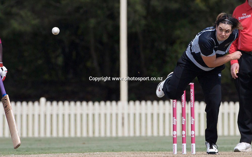 Sydney-March 10: Sarah Tsukigawa bowling  during the West Indies V New Zealand group A match at Bankstown Oval  in the ICC Women's World Cup Cricket Tournament, in Sydney, Australia on March 10, 2009. New Zealand won by 56 runs. Photo by Tim Clayton.