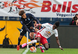 29.07.2015, Red Bull Arena, Salzburg, AUT, UEFA CL, FC Salzburg vs Malmoe FF, Qualifikation, 3. Runde, Hinspiel, im Bild v.l.: Tobias Sana (Malmoe), David Atanga (FC Red Bull Salzburg) // during the UEFA Championsleague Qualifier 3rd round, 1st Leg Match between FC Salzburg and Malmoe FF at the Red Bull Arena in Salzburg, Austria on 2015/07/29. EXPA Pictures © 2015, PhotoCredit: EXPA/ JFK