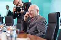 21 JUN 2017, BERLIN/GERMANY:<br /> Wolfgang Schaeuble, CDU, Bundesfinanzminister, vor Beginn der Kabinettsitzung, Bundeskanzleramt<br /> IMAGE: 20170621-01-001<br /> KEYWORDS: Kabinett, Sitzung, Wolfgang Sch&auml;uble