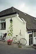 Bicycle at Cafe Het Bonte Paard aan de Grote Straat