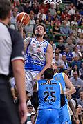 DESCRIZIONE : Beko Legabasket Serie A 2015- 2016 Dinamo Banco di Sardegna Sassari -Vanoli Cremona<br /> GIOCATORE : Joe Alexander<br /> CATEGORIA : Tiro Penetrazione Sottomano<br /> SQUADRA : Dinamo Banco di Sardegna Sassari<br /> EVENTO : Beko Legabasket Serie A 2015-2016<br /> GARA : Dinamo Banco di Sardegna Sassari - Vanoli Cremona<br /> DATA : 04/10/2015<br /> SPORT : Pallacanestro <br /> AUTORE : Agenzia Ciamillo-Castoria/L.Canu