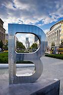 Berlino 19  Settembre 2013<br /> Scultura del Comitato Internazionale Auschwitz &quot;To B Remembered&quot;. La lettera &quot;B&quot; a testa in gi&ugrave; &egrave; la B dell'iscrizione sopra la porta principale di Auschwitz 1 che recita &quot;ARBEIT MACHT FREI&quot; (il lavoro rende liberi).La scultura &egrave; collocata a Wittenbergplatz .<br /> The new commemorative sculpture 'to B remembered' of the International Auschwitz Committee stands at Wittenbergplatz in Berlin, German
