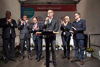 25 SEP 2017, BERLIN/GERMANY:<br /> Harald Christ, Schatzmeister SPD Wirtschaftsforum, Martin Schulz, SPD Parteivorsitzender, Thomas Oppermann, MdB, SPD, scheidender Fraktionsvorsitzender, Johannes Kahrs, MdB, SPD, Sprecher Seeheimer Kreis, Dagmar Ziegler, MdB, SPD, Sprecherin Seeheimer Kreis, Carsten Schneider, MdB, SPD, Sprecher Seeheimer Kreis, (v.L.n.R.), Gartenfest des Seeheimer Kreises der SPD, Garten der Deutsche Parlamentarischen Gesellschaft<br /> IMAGE: 20170925-01-155<br /> KEYWORDS: Sommerfest