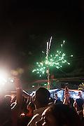 La devoción religiosa del Cristo Negro de Portobelo parece ser una de las más populares, en la República de Panamá. Esta devoción se remonta a los tiempos de la colonia, cuando se cuenta que un 21 de octubre de 1658 llegó, a la playa de la comunidad panameña de Portobelo, la imagen del Cristo Negro. Solo son suposiciones, ya que todavía no se tienen referencias históricas precisas sobre este tema, pero por algunos cálculos intuitivos se puede decir que la imagen lleva en Portobelo más de dos siglos.<br /> La fe y devoción, que manifiesta el pueblo panameño hacia la imagen de este Cristo puede ser evidenciada, cada año, cuando, a partir del 15 de octubre, se da inicio a las expresiones devocionales del peregrino que se dirige a Portobelo para rendirle culto a la imagen del Nazareno. Victoria Murillo/Istmophoto.com