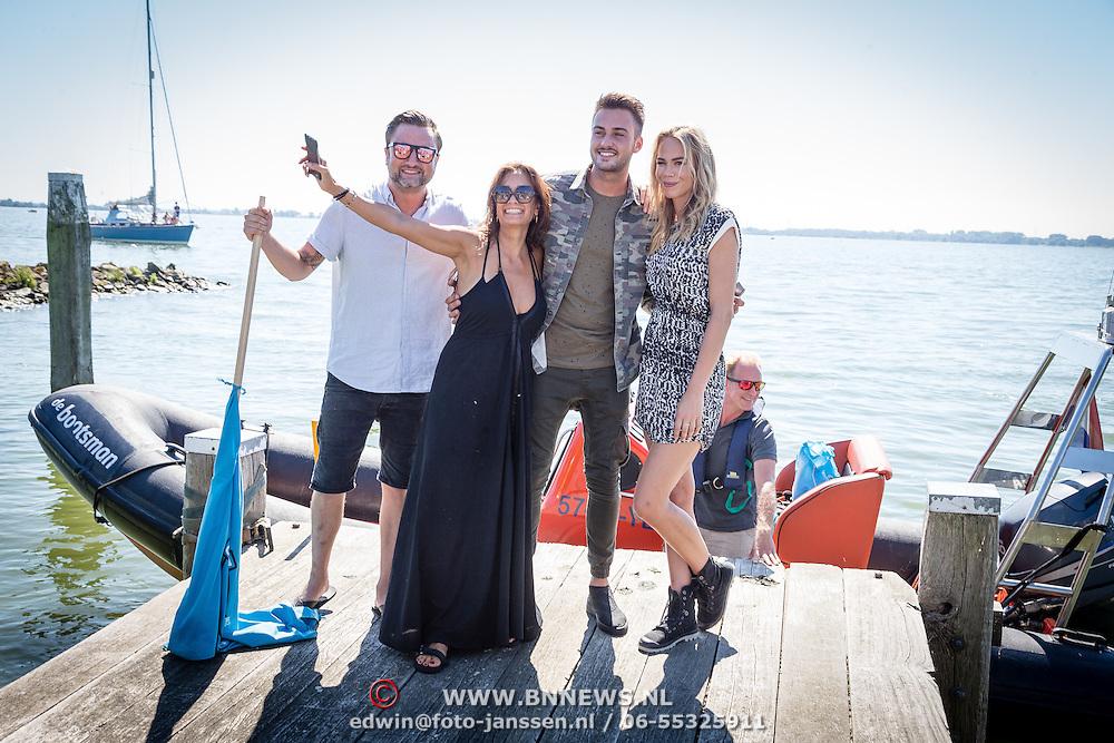 NLD/Muiden/20160825 - Perspresentatie deelnemers Expeditie Robinson 2016, Dennis Weening en Nicolette Kluijver en Dave Roelvink en Suzanne Klemann
