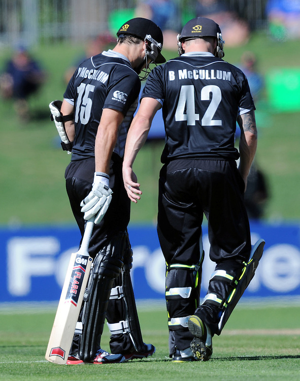 New Zealand's McCullum brothers, Nathan, left and Brendon against Zimbabwe in the third one day International Cricket match, McLean Park, Napier, New Zealand, Thursday, February 09, 2012. Credit:SNPA / Ross Setford