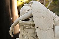 """Il cimitero acattolico di Roma (già cimitero degli Inglesi, o anche """"cimitero dei protestanti"""", o nella lingua parlata """"cimitero del Testaccio"""", o """"cimitero degli artisti"""
