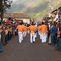 Desfile por las calles de El Cobre un 24 de diciembre, Estado Tachira, Venezuela.