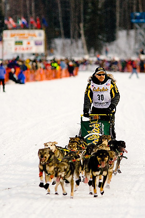 05 March 2006: Willow, Alaska - Three time champion, Jeff King heads out to Nome at the restart of the 2006 Iditarod on Willow Lake in Willow, Alaska
