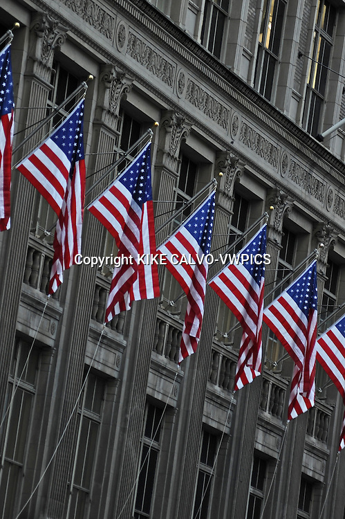 People visiting New York soon forget to look up, and appreciate the beauty and complexity of the architectonic details of its buildings, contructions and skyscrappers.Pictured: Abstract pics on Fifth Avenue