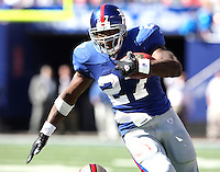 Oct 21, 2007: East Rutherford, NJ, USA: New York Giants running back (27) Brandon Jacobs runs for a first down against the San Francisco 49ers during the first half at Giants Stadium.  Giants won 33-15..