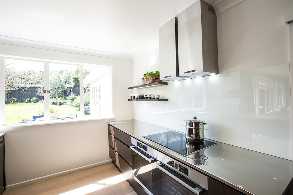 9 Grampian Road - Kitchen Link.  September 2015. Photo: Gareth Cooke / Subzero Images