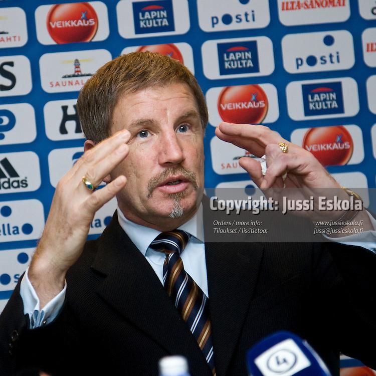 Stuart Baxter, SPL:n tiedotustilaisuus 28.1.2008. Photo: Jussi Eskola