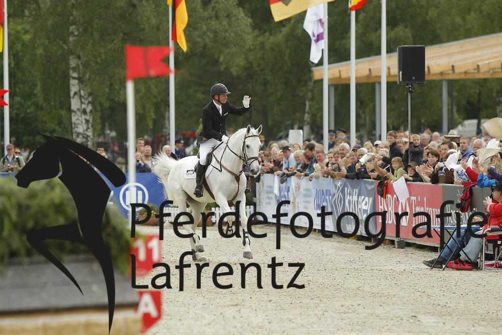 Romeike, Hinrich, Marius<br /> Luhmühlen CIC***/CCI****<br />  <br /> Verabschiedung Marius<br /> © www.sportfotos-lafrentz.de/Stefan Lafrentz