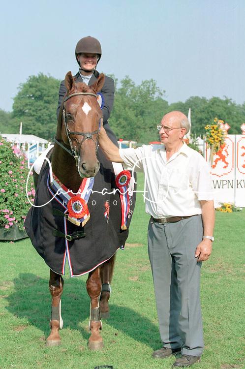 Klompmaker Hester-Plato + fokker<br />KWPN Paardendagen 2001<br />Photo &copy; Dirk Caremans