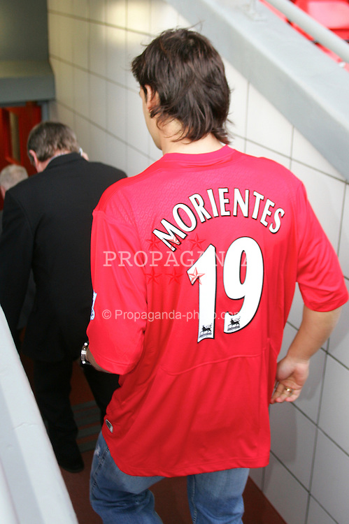 LIVERPOOL, ENGLAND - FRIDAY JANUARY 14th 2005: New Liverpool's new number 19 Fernando Morientes at Anfield following his £6.3 million move from Spanish Champions Real Madrid. (Pic by David Rawcliffe/Propaganda)