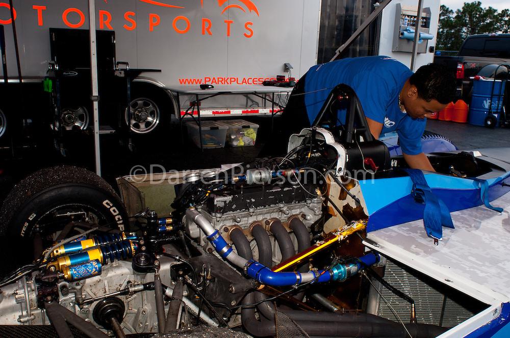 #65 Acadia Racing Elan DP02: Lamont Harris