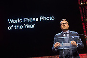 Prins Constantijn reikt prijs World Press Photo 2018 uit tijdens een awardshow in de de Westergasfabriek in Amsterdam. <br /> <br /> Prince Constantijn presents World Press Photo 2018 prize during an award show at the Westergasfabriek in Amsterdam.<br /> <br /> Op de foto / On the photo:  Prins Constantijn / Prince Constantijn