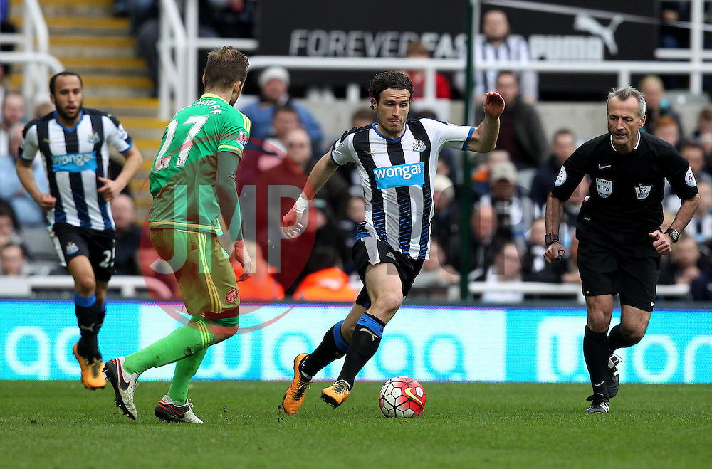 Daryl Janmaat of Newcastle United runs with the ball - Mandatory byline: Robbie Stephenson/JMP - 20/03/2016 - FOOTBALL - ST James Park - Newcastle, England - Newcastle United v Sunderland - Barclays Premier League