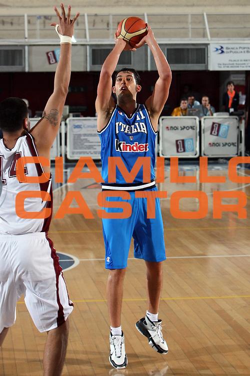 DESCRIZIONE : Rieti Torneo Internazionale Lazio 2006<br /> GIOCATORE : Garri<br /> SQUADRA : Italia<br /> EVENTO : Rieti Torneo Internazionale Lazio 2006<br /> GARA : Italia Venezuela<br /> DATA : 20/06/2006 <br /> CATEGORIA : Tiro<br /> SPORT : Pallacanestro <br /> AUTORE : Agenzia Ciamillo-Castoria/E.Castoria