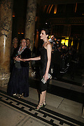 Erin o'Connor, The British Fashion Awards  2006 sponsored by Swarovski . Victoria and Albert Museum. 2 November 2006. ONE TIME USE ONLY - DO NOT ARCHIVE  © Copyright Photograph by Dafydd Jones 66 Stockwell Park Rd. London SW9 0DA Tel 020 7733 0108 www.dafjones.com