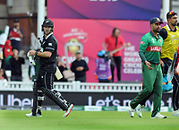 Cricket - 2019 ICC Cricket World Cup - Group Stage: Bangladesh vs. New Zealand<br /> <br /> Colin Munro of NZ exchanges words with Tamin after he was dismissed, at Kia Oval.<br /> <br /> COLORSPORT/ANDREW COWIE